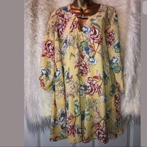 Jodifl Floral dress size M yellow flowy